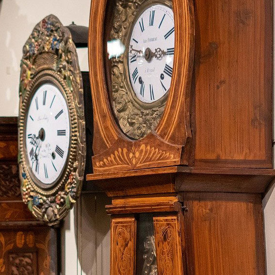 Antque grandfather clock.